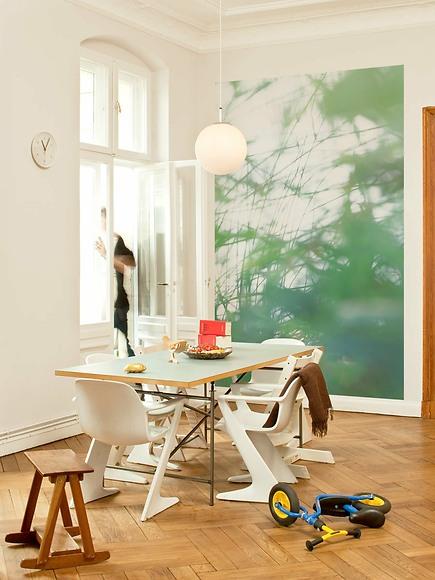 Fototapete Yasumi - Yasumi im Wohnzimmer