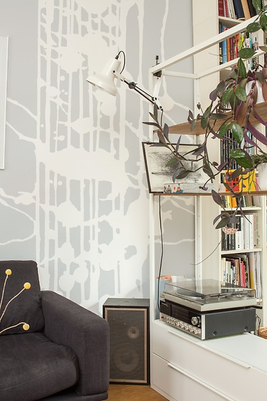 Bildtapete Lucia - Lucia im Wohnzimmer